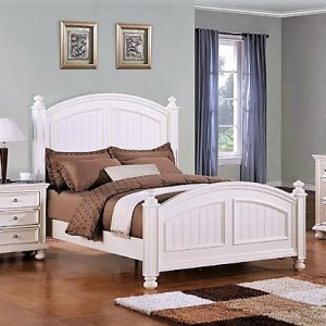 Cape-cod -white-bedroom-front