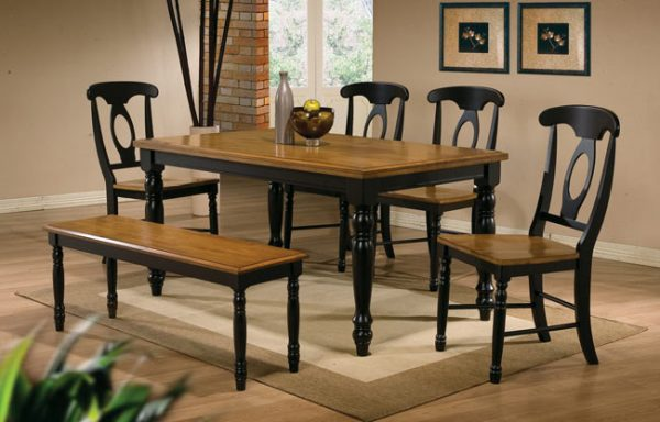 Quails Run Rectangular Table